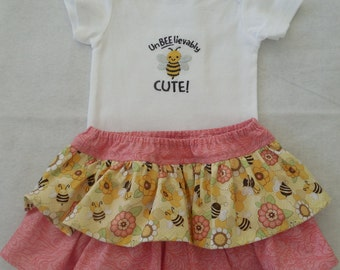 Baby Girl Onesie and Ruffled Bloomers Set Size 6 months