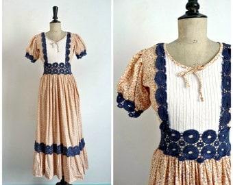 Vintage Années 70 Robe Longue Bohème Hippie En Coton Orangé Liberty Empiècements En Crochet Bleu Marine / Taille S