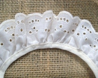 Ivory ruffled eyelet lace  4  yards