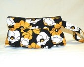 Pleated Wristlet in Gold/Yellow and White Poppies on Black Background