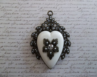Vintage Style Heart Locket Pendant - Rhinestone Jewel on Front - Glass Back for Photo Memento - Ivory & Antiqued Brass - Qty 1