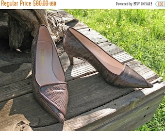 BEAUTIFUL Brunomagli Made In Italy Brown Lizard Skin With Leather Trim Circa 1960s With Kitten Heel