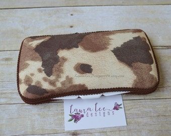 Brown and Cream Cow Print Travel Baby Wipe Case, Personalized Case, Diaper Wipe Case, Baby Shower Gift, Wipe Holder, Dipaer Bag Wipe Clutch