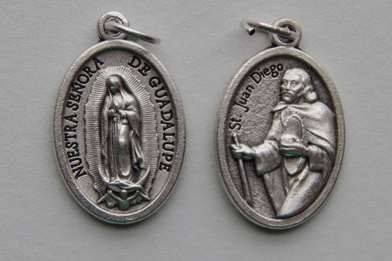 5 Patron Saint Medal Findings - St. Juan Diego, Double, Die Cast Silverplate, Silver Color, Oxidized Metal, Made in Italy, Charm, RM315