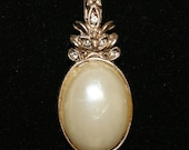 Vintage Rhinestone Synthetic Pearl Jelly Belly Gold Tone Pendant