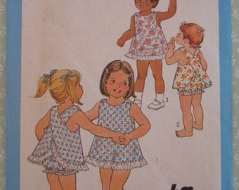 Easy to Sew Toddler Girls Jiffy Dress and Bloomers Size 3 Vintage 1980's Simplicity Pattern 9513 UNCUT