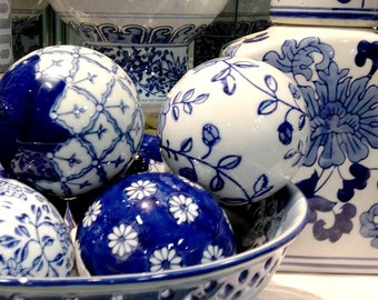 Ginger jar blue, 3 blue and white, blue carpet balls, decorative balls, chinoiserie, tollmache, blue and white, Chinese porcelain