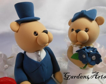 NEW--Custom Wedding Cake Topper--Love Bear Couple with Circle Clear Base