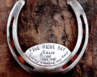The Memorial Horseshoe. Commemorating a lost horse or other pet. Handmade by Sycamore Hill. Beautiful, rustic equestrian display. Equine.