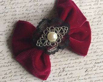 Victorian Velvet - bowtie