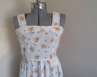 Adorable 1970's Eyelet Lace Floral Sundress