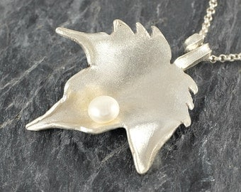 Leaf Necklace in Sterling Silver Gift For Women ,Foliage Jewelry, Autumn Leaf Pendant with white Pearl, Leaf Jewelry