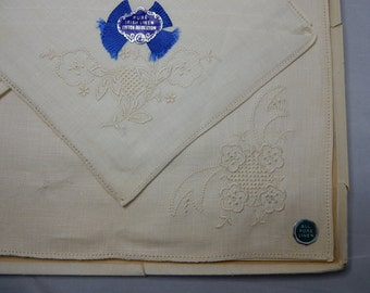 Gift Box of 3 Pure Irish Linen Embroidered Handkerchief    NBL10