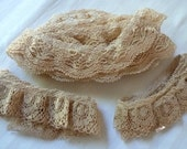 Beige Gathered Lace Trim Vintage 1980's