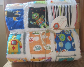 Free Shipping U.S. Only.....Robots, Spaceships and Spiro Blasters....A Fray Edge Quilt...Ready to Ship