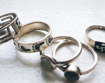 Five vintage sterling silver rings, jewellery, stacking rings, assorted rings, playing rings, silver rings for dressing up