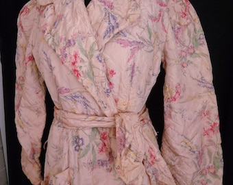 Pink Floral Quilted Vintage 1940's Women's Dressing House ROBE