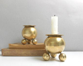 Vintage Brass Candleholder Pair Two Round Balls on Ball Feet Candlestick Holders Modern Boho Hippie Home Decor Dining Table Centerpiece