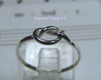 Sterling Silver Simple Friendship Ring. Very nice indeed.