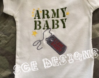 Army baby I love my daddy bodysuit Military baby- army baby gift- outfit fir army baby boy//girl- army baby outfit