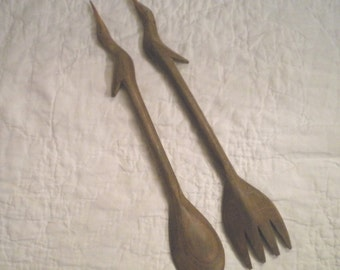 Vintage pelican bird hand carved fork and spoon salad serving set kitchen beach decor