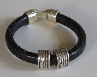 Leather Bracelet Black - Thick Leather -  Silvertone  Accent Beads - Silvertone Clasp