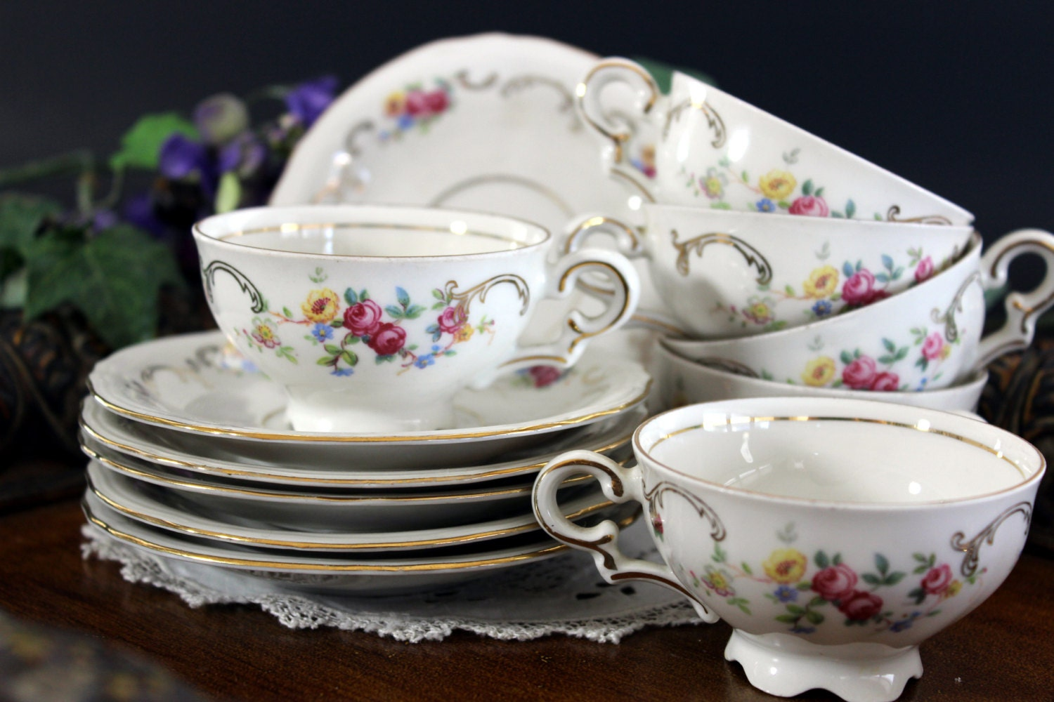 demitasse cups small tea cups and saucers european. Black Bedroom Furniture Sets. Home Design Ideas