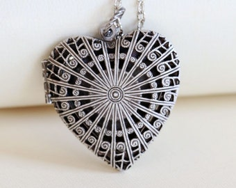 Silver Heart Locket Necklace,Jewelry,Pendant, Filigree Locket,Floral Silver Locket,Antique Style,Flower Locket,Wedding Necklace,bridesmaid