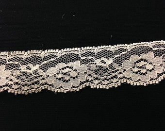 Floral Lace Trim in an Beige!