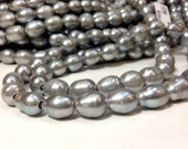 10 to 12 mm Large Hole Freshwater Pearl Rice Beads - Gray - 2.5 mm hole (G5208G65)