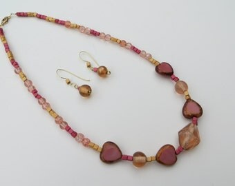 Heart of stone peach beaded necklace