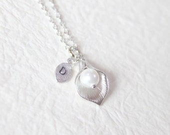 Calla lily flower with personalized initial leaf necklace - S2349-1