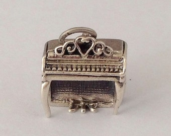 Vintage Beaucraft 3D Piano Sterling Charm