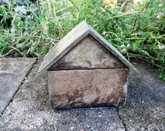 Miniature house box with hinged roof. Made from salvaged 80 plus year old slate tiles. #SMH-9
