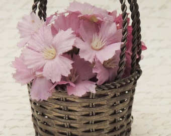 Minature Wire Basket /Vintage Miniature Flower Basket / Candy Basket / Doll Basket / Woven Metal Basket / Easter Basket / Small Wire Basket