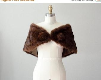 25% OFF SALE / 1960s vintage fur cape / brown rabbit fur capelet / fur stole