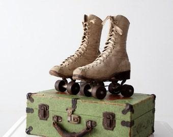 SALE vintage Chicago roller skates with case, 1940s women's wooden wheel roller skates