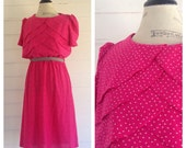 Vintage FUCHSIA and White 80s Dress w Scalloped Chest Detail and Retro Print