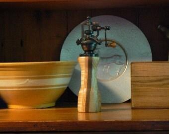 Mechanical pepper mill - pepper grinder – Housewarming - Kitchen - Wedding - Foodie -  Chef – PG434