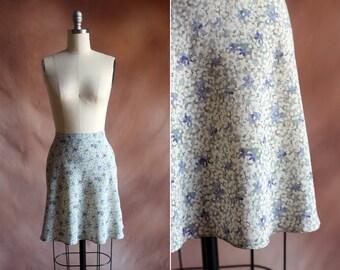 vintage 1990's floral print high waisted mini skater skirt / size m - l