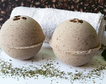 100% Natural Moringa Mocha Java EO Bath Bomb w/ Fair Trade Organic Sugar. Amazing Natural Aroma, Vegan. Approx 4 oz each