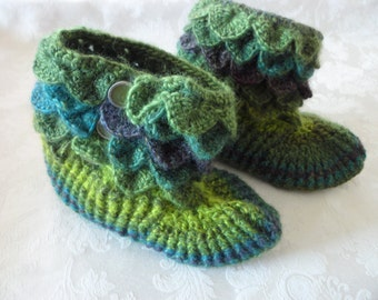 Crocodile Alligator Crocheted Slippers Womens Size Medium 8-9