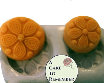 "1"" and 3/4"" Daisy silicone button mold. Food safe mold for cake decorating, polymer clay, soap embeds, chocolate mold or resin mold.  M17"