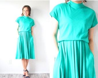 20% OFF HALLOWEEN SALE Vintage short sleeve green turquoise dress // mod dress // modest dress // turquoise dress // turtle neck dress // su