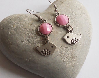 Dangle earrings with birds