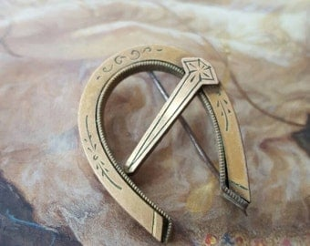 Horseshoe and Spike GF Victorian Etched Pin Brooch