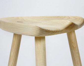 Milking stool in white ash