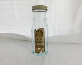 Vintage 40s 50s Aunt Nellies Horse Radish Light Blue Bottle with Original Label  Box V