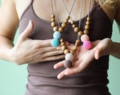 FLASH SALE Modern Mama Nursing Necklace / Teething Necklace - Choose Your Color & Wood Type