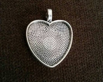 Silver Plated 25mm Heart Tray Pendant